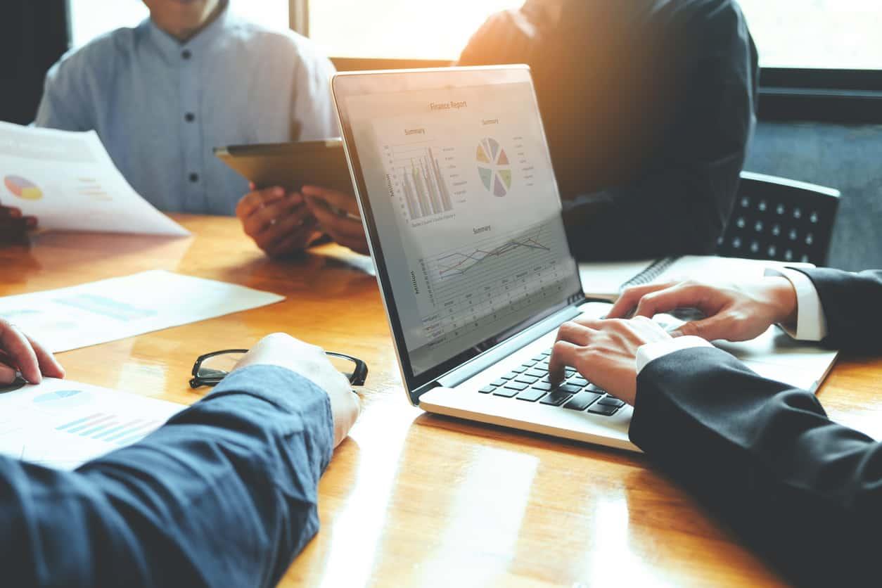 進捗確認・テスト計画を明確化し、計画通りの進捗と品質が保たれているかの確認を定量データに基づき行う